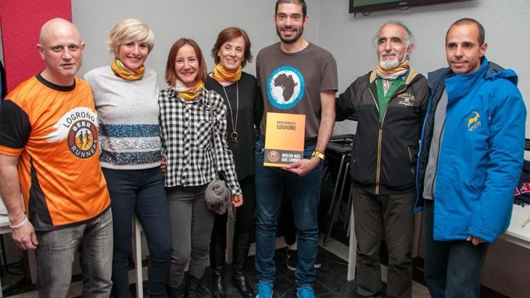 Marcelina Hernaiz,Gema Olave,Susana Ansoleaga,Oscar Calvé y Raúl Lopez homenajeados por los Beer Runners