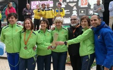Nuestros colores se pasean y triunfan en el Campeonato de España de 10.000 en ruta.