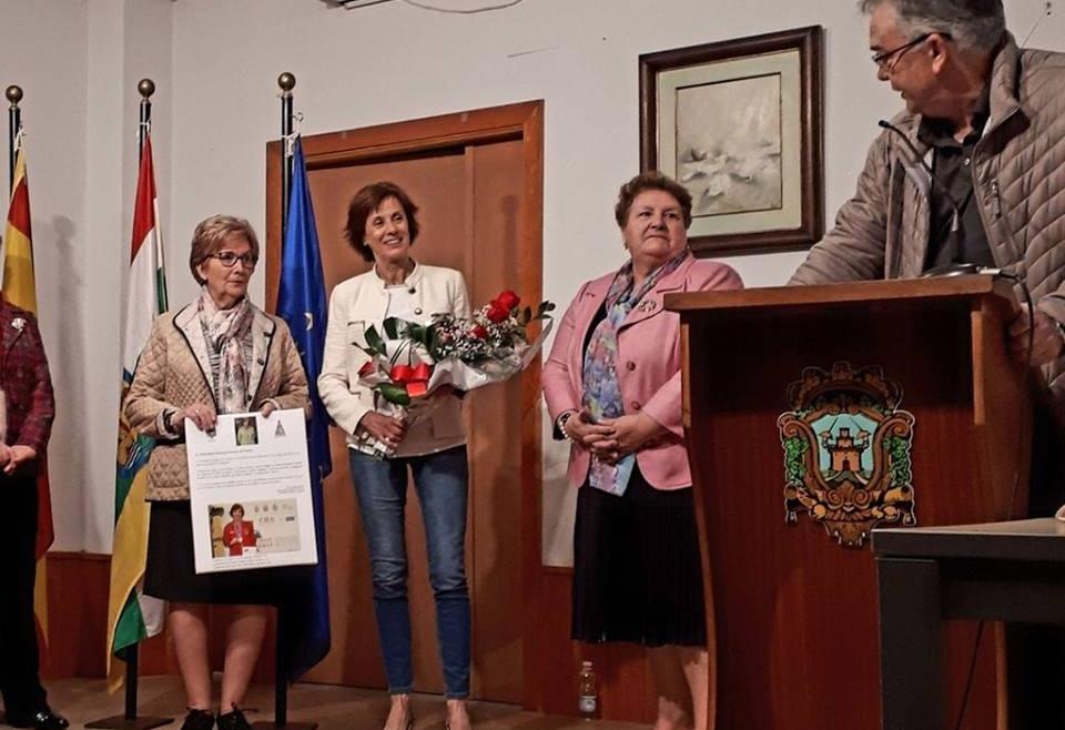 La Asociación Amigos de Cenicero rinde homenaje a nuestra campeona Marcelina Hernaiz.