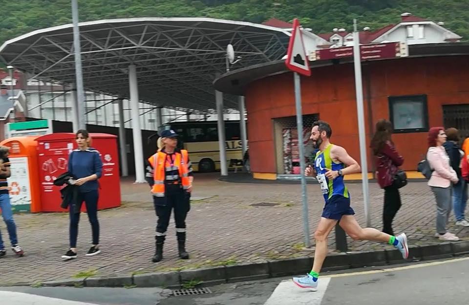 Nuestros compañeros Eladio Araiz y Fernando Perez brillaron en la Media Maratón de Santoña.