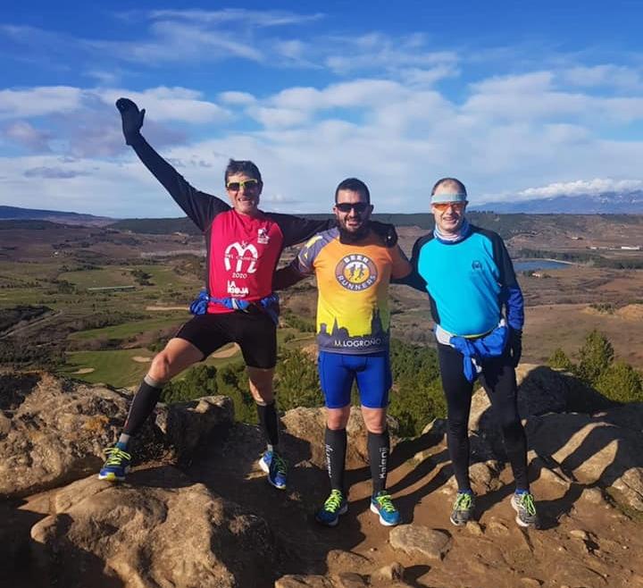 Nuestros compañeros estrenaron el año subiendo al Monte La pila como costumbre tradicional.