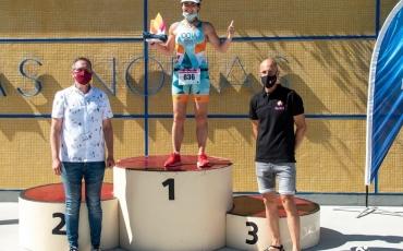 Nuestra compañera Miren Idoia Fernández primera de categoría Veterana 2 en el I Triatlón de La Mujer de Logroño.